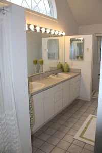 Amagansett house rental - Master Bath
