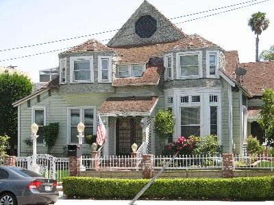 Queen Anne Victorian 'Sea La Vie' Vacation getaway