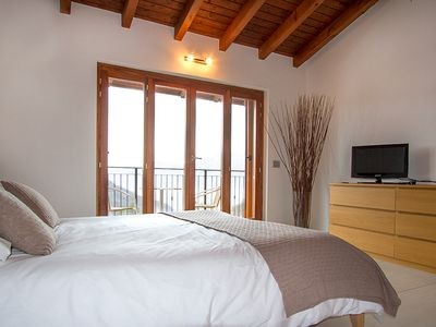 Villa Sereni master bedroom