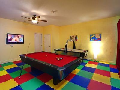 Awesome games room with own A/C unit.