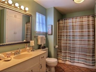Port Aransas house photo - Upper Master Bathroom