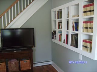 Winter Harbor house photo - 42-inch high-def television and built-in bookcases