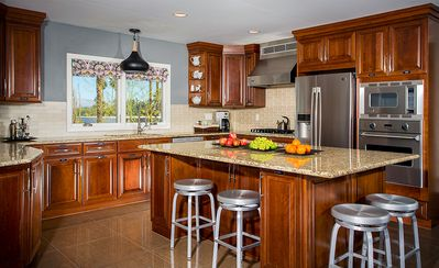 Spacious, well-equipped kitchen with Viking appliances and tons of counter space