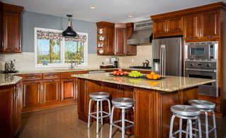 Rancho Mirage house photo - Spacious, well-equipped kitchen with Viking appliances and tons of counter space