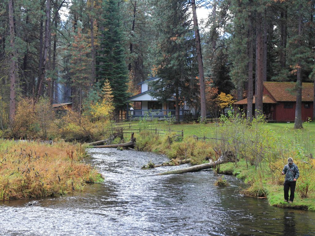 Camp sherman house rental metolius riverfront house in for House of metolius