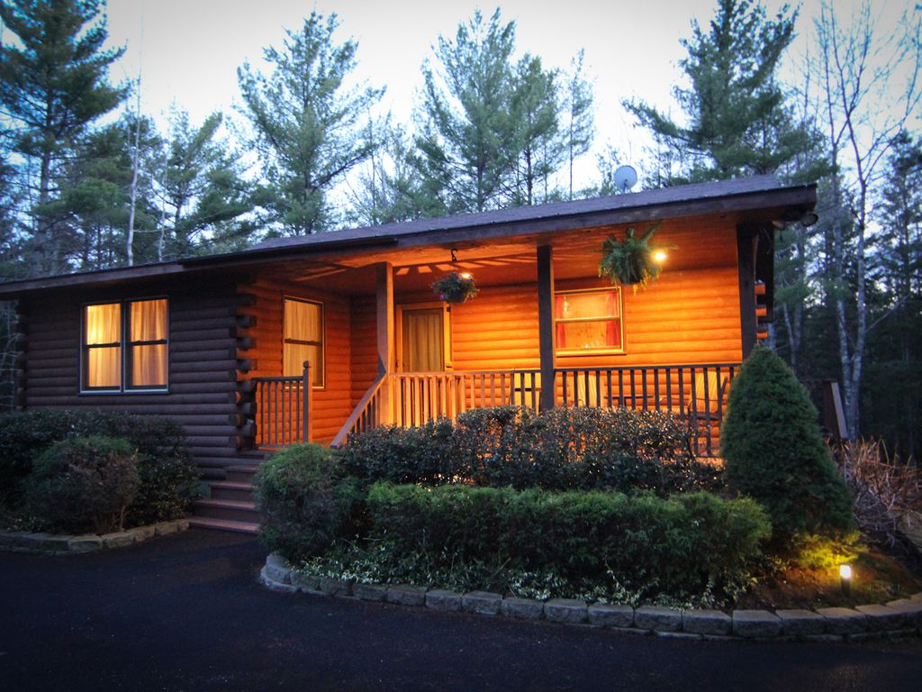 Picture perfect bar harbor log cabin homeaway bar harbor for Perfect cabin