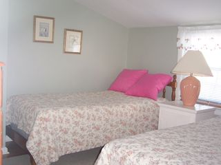 Stone Harbor property rental photo - Third bedroom