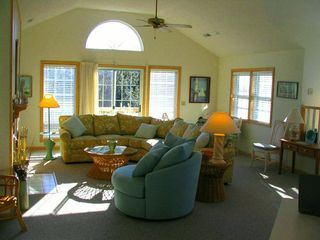 Duck house photo - Family room