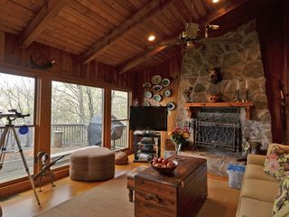 Lake Burton cabin photo - Large Family Room