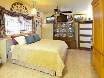 Scottsdale North villa rental - Queen Size Bed and hand painted porcelains in the hutch a peaceful place to rest