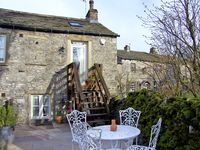 BLACKSMITH COTTAGE, pet friendly in Grassington, Ref 2317