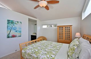 Mission Beach house photo - Enjoy the walk in closet and HDTV in this roomy master suite.