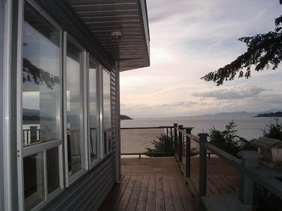 Nanoose Bay cottage rental - Side Deck at Dusk