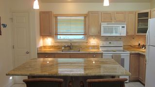 Kihei cottage photo - new beautiful granite counter tops