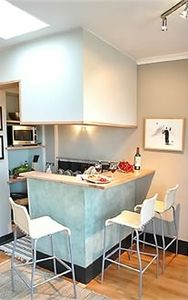 6th Arrondissement St Germain des Pres condo rental - Kitchen space opening into the living room