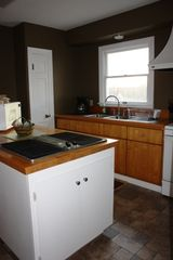 Harpers Ferry house photo - Electric grill, microwave, diswasher in the fully appointed kitchen