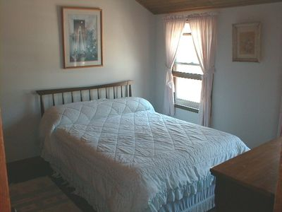 Old Lyme cottage rental - Rear Bedroom Side B