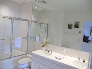 Catalina Island condo photo - Double Sink Bathroom
