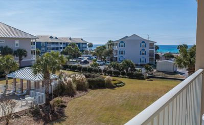 Destin Dream Condo - Beautifully Furnished, Gulf View