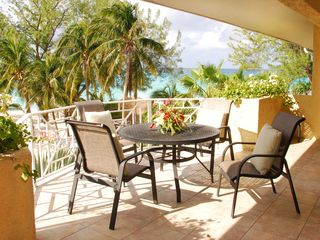 Grand Cayman condo photo - Enjoy the beach view from our circular balcony