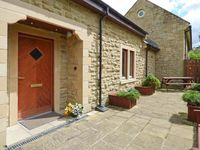 TULIP COTTAGE, family friendly, with a garden in Rothbury, Ref 904908