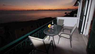 image for Right on the beautiful sandy beach,ideal for children,wi-fi internet,pr.Parking