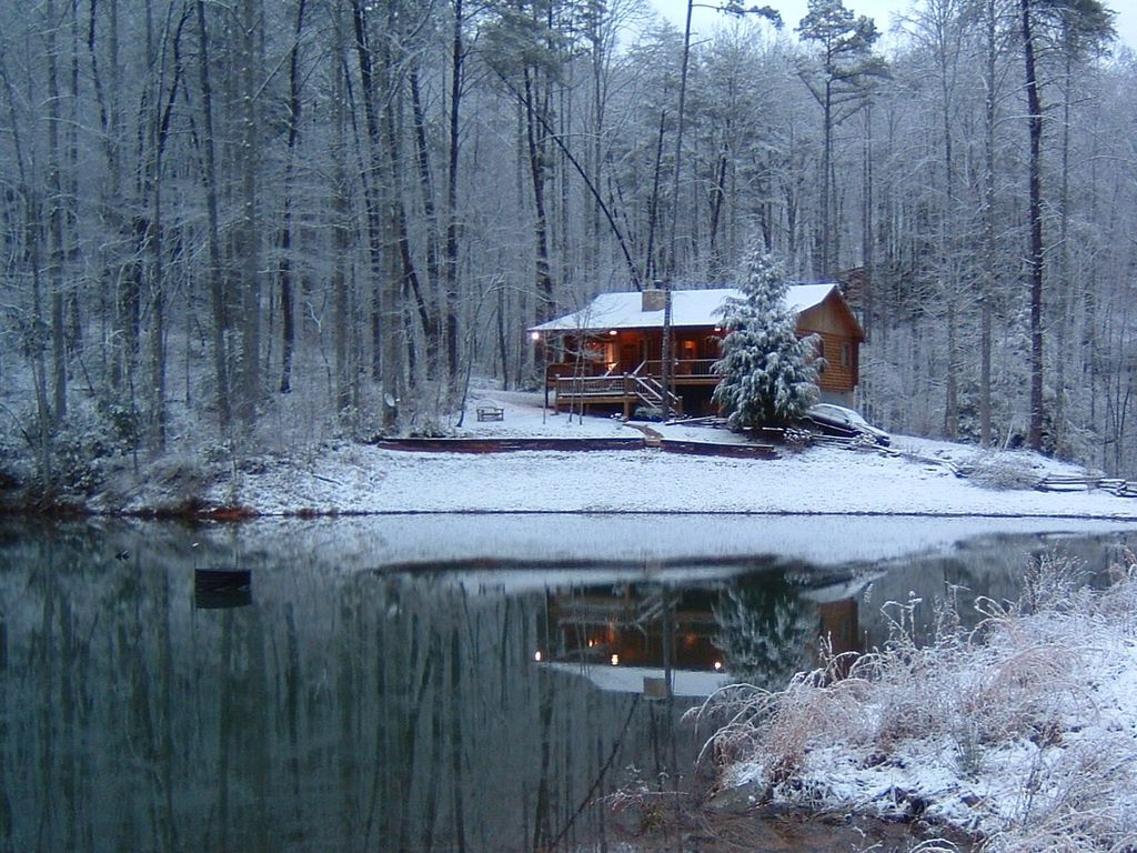 Mountain Log Cabin On Spring Fed Lake Homeaway Blue Ridge