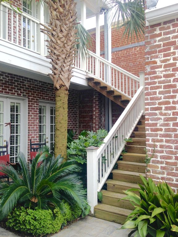 """""""THE NEST"""" IN HISTORIC,  DOWNTOWN AIKEN, SC. WALK EVERYWHERE! KING MASTER BR!"""