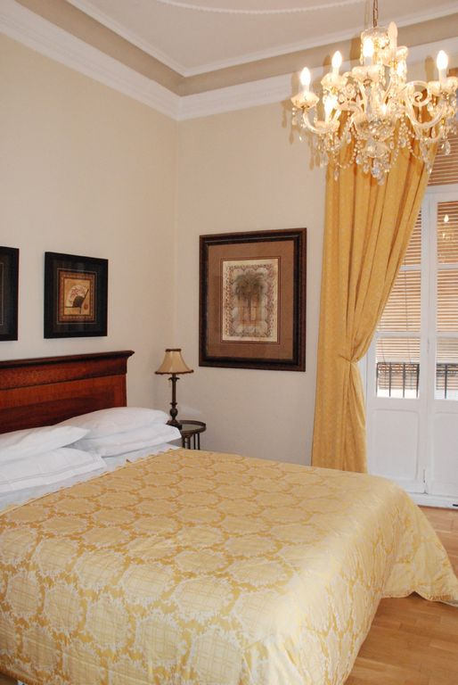 Valencia Old Town apartment rental - Master bedroom