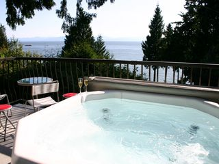 Sechelt cottage photo - .Hot tub delight on cottage deck