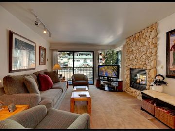Mammoth Lakes condo rental - St. Anton #33 - Reserve Today!