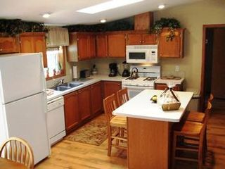 Wisconsin Dells house photo - Full Kitchen