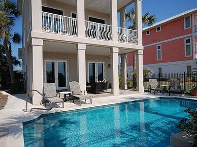 Gulf Front private home, 3 decks, sleeps 12 - private pool!