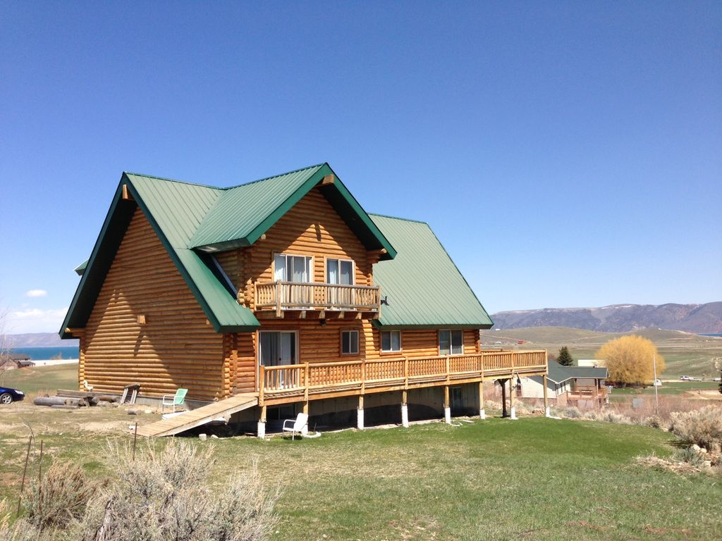 Huge Gorgeous Log Cabin 100 remodeled Right on Golf Course by