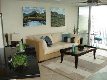 Punaluu condo rental - Get comfortable and feel right at home with our sleek, contemporary furnishings.
