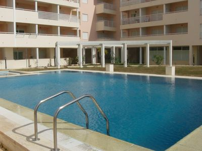 Apartment with pool in Armação Pera