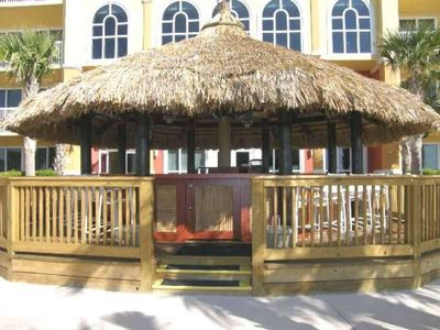 The Tiki bar between the two pools