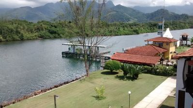 Beautiful triplex with beautiful views of the Bracuhy channel