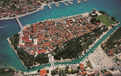 Only a 6 minute walk to Trogir Island. EVERYTHING you need you can walk to.