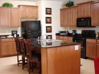 Branson condo photo - Garnite counters in large kitchen