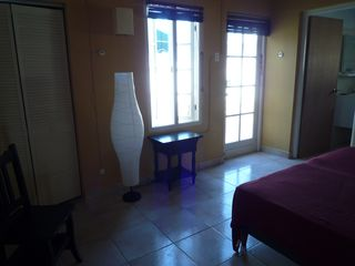 Aruba villa photo - Room 3; two twins, access to pool area and en suite bathroom with bathtub