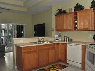 Port St. Lucie condo photo - Kitchen with breakfast bar