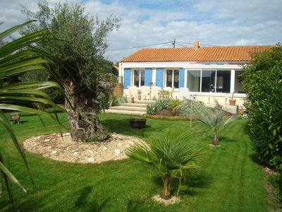 30 minutes from La Rochelle, and 20 minutes from the beach