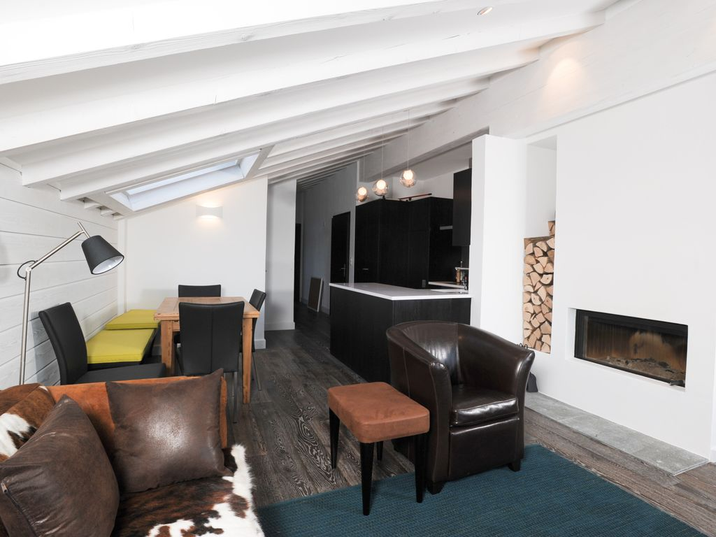Cool Penthouse Apartment Next To Medran Vrbo