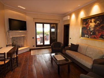 Colosseum area apartment rental - Living room