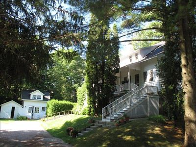 the Big Cottage with Carriage House
