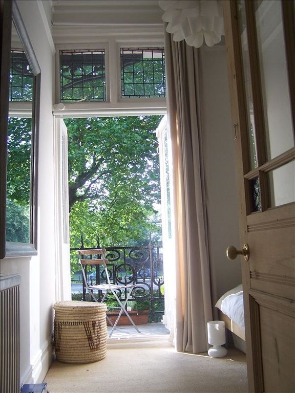 Hammersmith & Fulham apartment rental - Gorgeous leafy views from second bedroom and living room ...