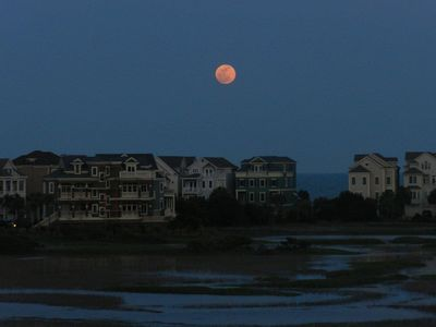 Perigee Moon at high tide