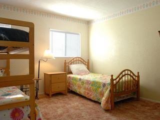 Nice house photo - Kid's bedroom