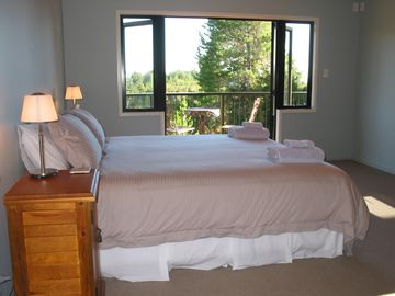 Bedroom - with views of Abel Tasman national park